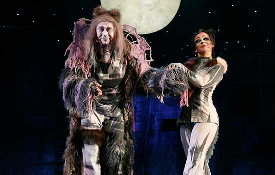 See live theatre in Tucson